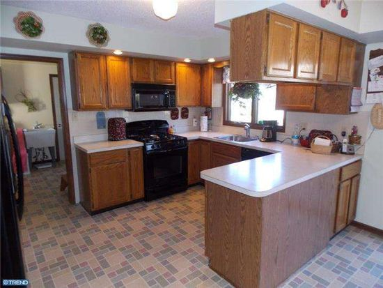1585 Old Lincoln Hwy, Langhorne, PA 19047