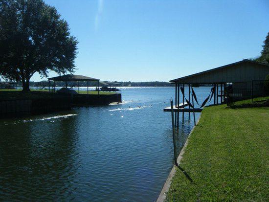 207 Lake Front Dr, Mabank, TX 75156