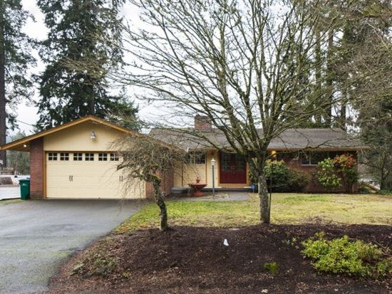 17129 SE River Rd, Milwaukie, OR 97267