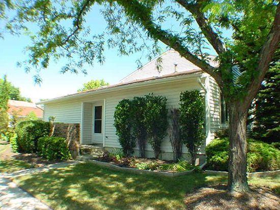 23 Wintergreen Ct, Woodridge, IL 60517