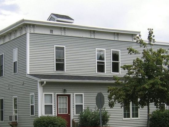 106 Rose St APT 4, Burlington, VT 05401