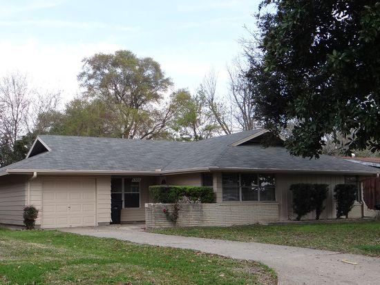 5303 W Groves Cir, Groves, TX 77619