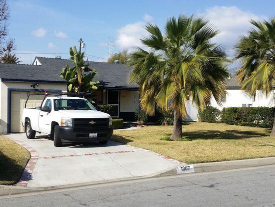 1307 S Soderberg Ave, Glendora, CA 91740