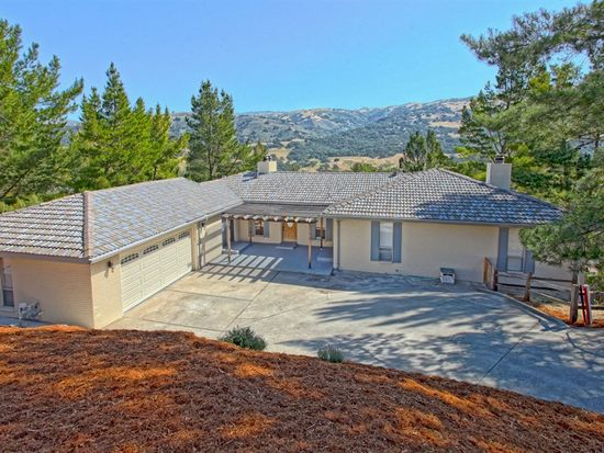 17474 Lakeview Dr, Morgan Hill, CA 95037