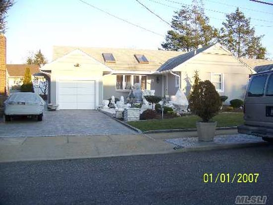 1159 Albert Rd, North Bellmore, NY 11710