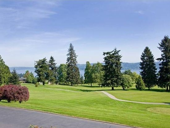 8201 Lakemont Dr NE, Seattle, WA 98115