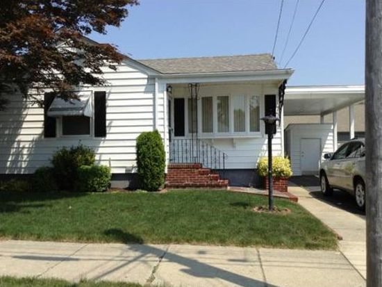 369 Harwich St, New Bedford, MA 02745