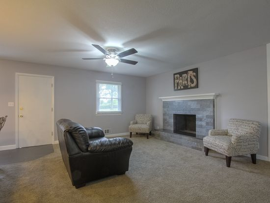 4227 E 42nd Street Ct, Independence, MO 64055