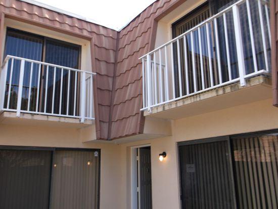 829 Blue Ridge Cir, West Palm Beach, FL 33409