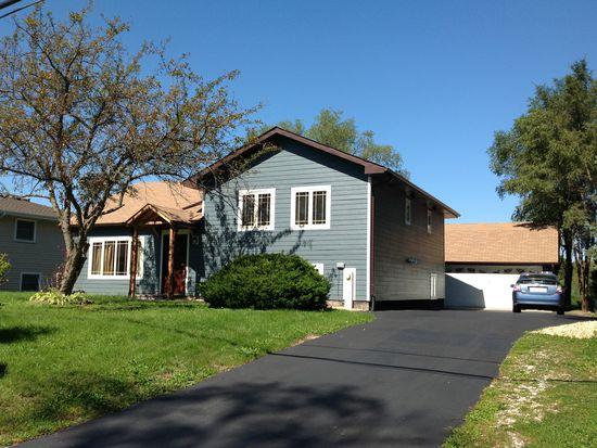 16W141 Hillside Ln, Burr Ridge, IL 60527