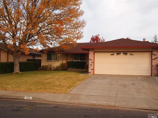 121 Rutherford Dr, Vacaville, CA 95687