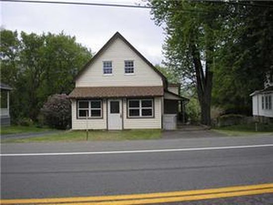 9211 Ridge Rd, Middleport, NY 14105