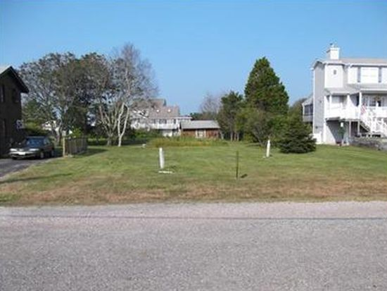 20 Collins Ave, Westerly, RI 02891