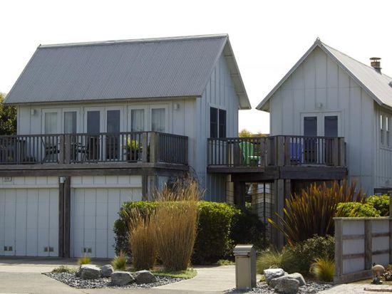 228 Kelly Ave, Half Moon Bay, CA 94019