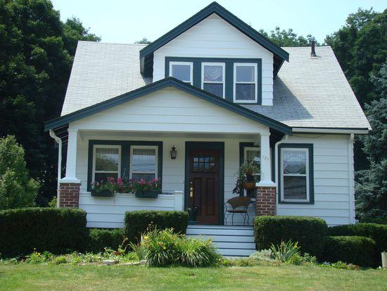 727 Salem St, Groveland, MA 01834