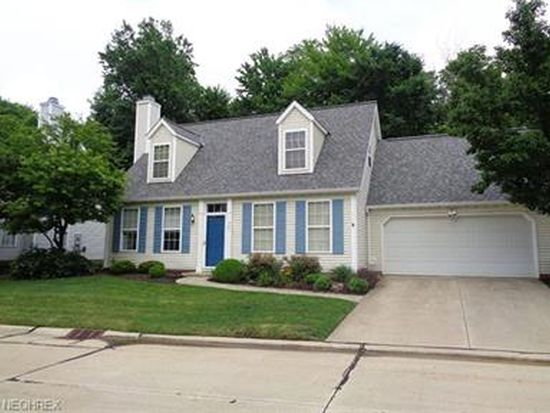 761 Pebblebrook Dr, Willoughby Hills, OH 44094