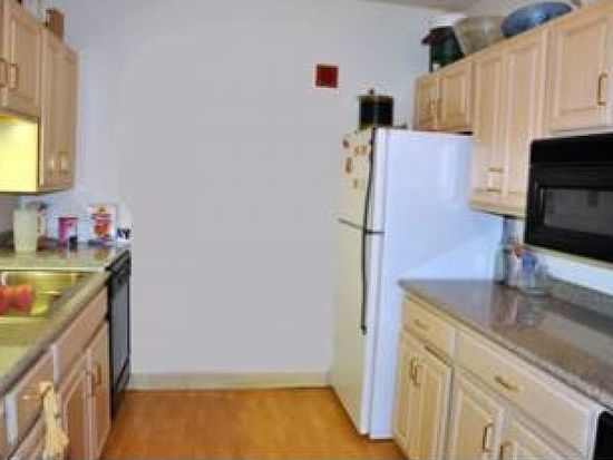 1850 Front St APT 44, Manchester, NH 03102