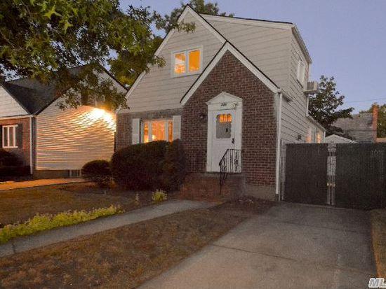 246 Dorchester Rd, Garden City, NY 11530