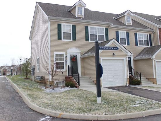 5752 Winding Rock Dr, Westerville, OH 43081