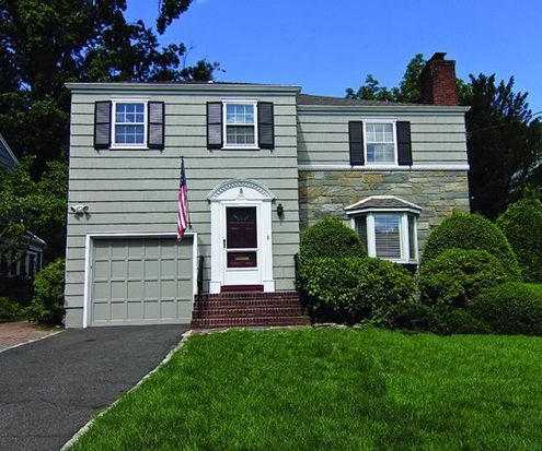 8 Carlton Ct, Maplewood, NJ 07040