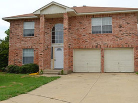 650 Blueberry Hill Ln, Mansfield, TX 76063