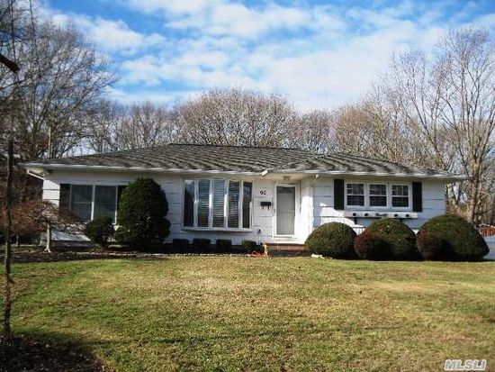 90 Andreano Ave, East Patchogue, NY 11772