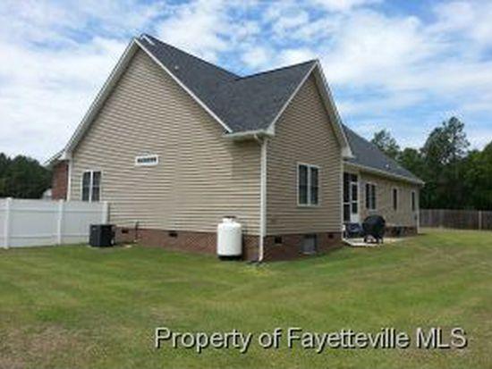 712 Maple Grove Ct, Hope Mills, NC 28348