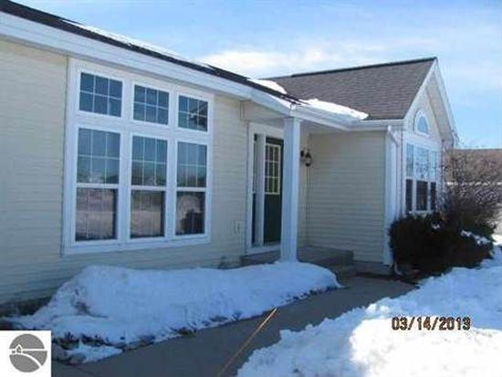 3455 Powder Horn Dr, Traverse City, MI 49685