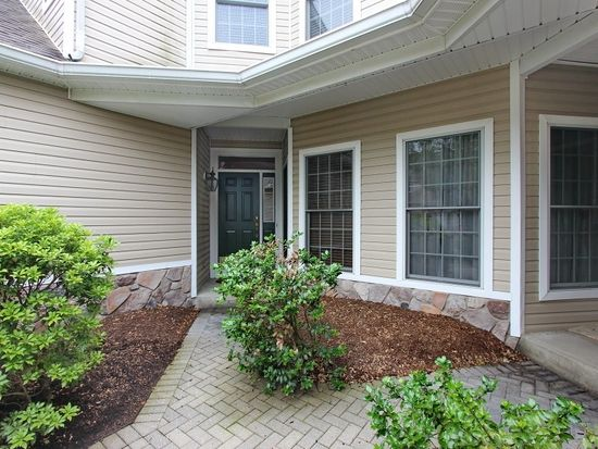 19 Pebble Beach Dr, Livingston, NJ 07039