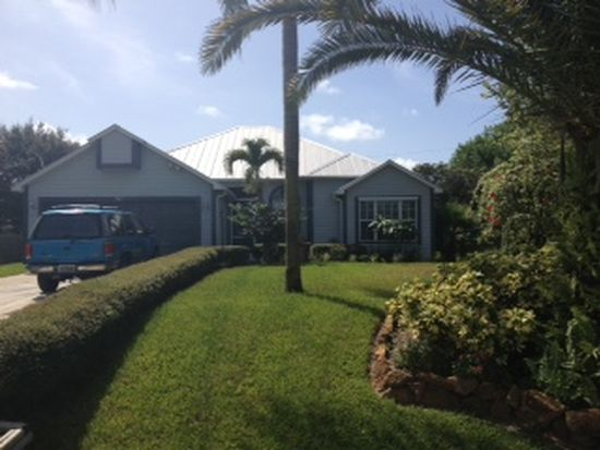341 SW Hollyhock Dr, Port Saint Lucie, FL 34953