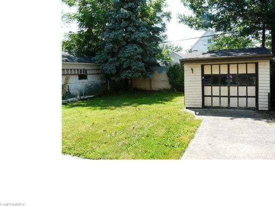 1502 Larchmont Ave, Lakewood, OH 44107