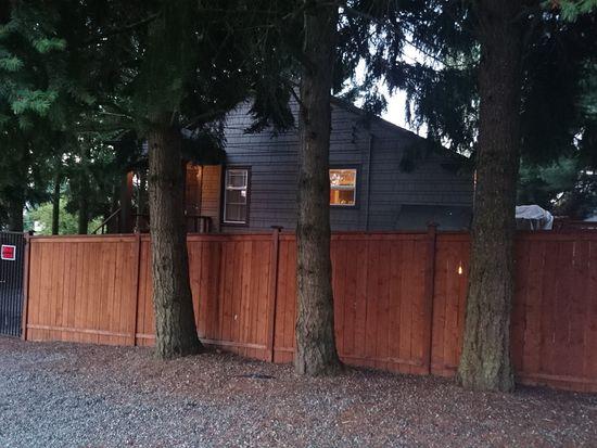 759 N 100th St, Seattle, WA 98133