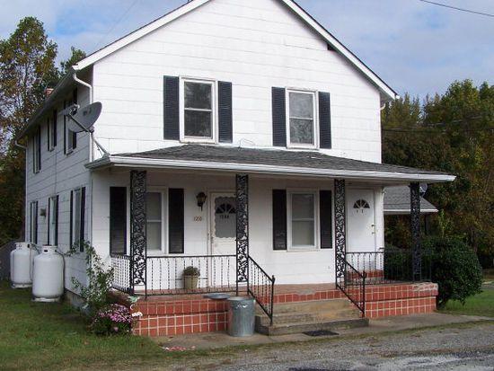 1210 Old Court St, Victoria, VA 23974