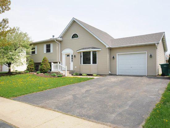 1404 Phoenix Ln, Joliet, IL 60431