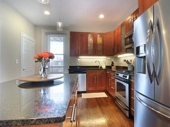 557 E 4th St UNIT 3, South Boston, MA 02127