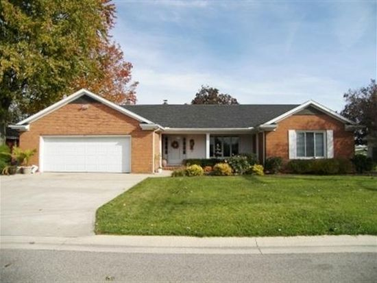 11 Fairlane Dr, Warsaw, IN 46580