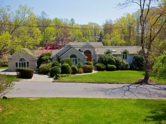 55 Berkeley Dr, Tenafly, NJ 07670