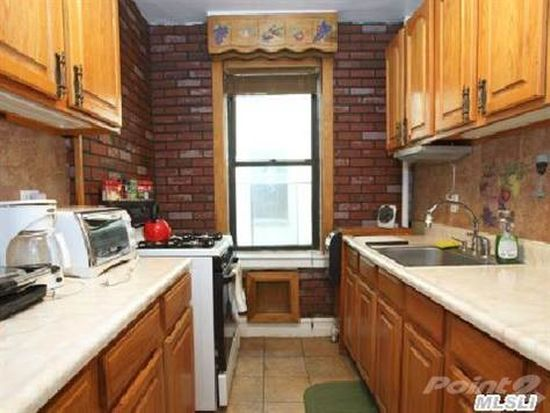 3555 29th St APT 2K, Astoria, NY 11106