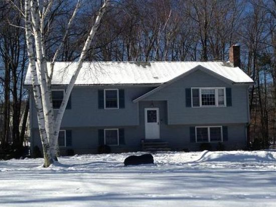 90 Black Oak Ln, Dracut, MA 01826