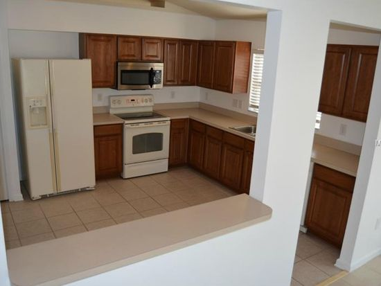 7733 Outerbridge St, Zephyrhills, FL 33545