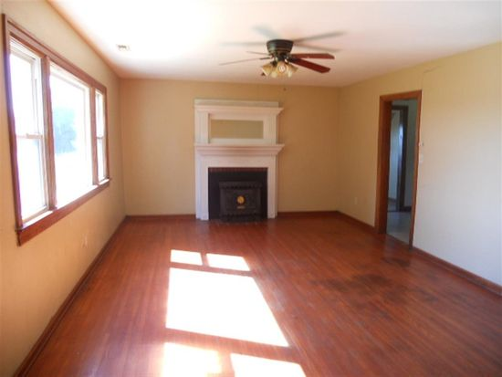 3042 Elrod Rd, Bowling Green, KY 42104