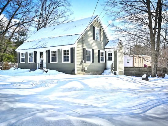 7 Plymouth St, North Reading, MA 01864