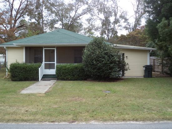 362 Jones St, Ray City, GA 31645