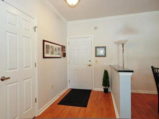 401 Regency Pl, Woodbridge, NJ 07095