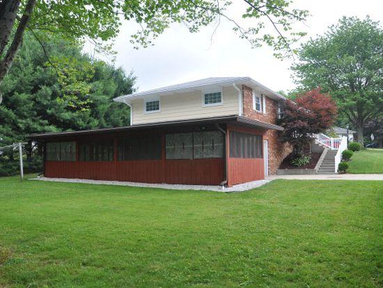 588 Lindsey Ave, Meadville, PA 16335
