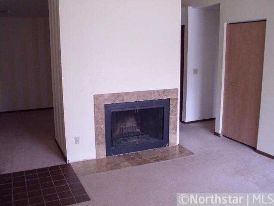 300 Shelard Pkwy APT 303, Minneapolis, MN 55426