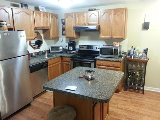 201 Woodlawn Ave APT 205, North Providence, RI 02904