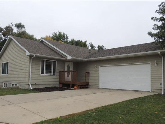 4000 W Newcomb Dr, Sioux Falls, SD 57106