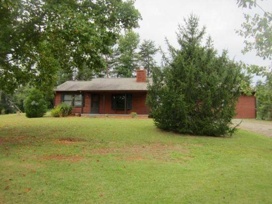 10 Fox Meadows Rd, Columbus, NC 28722