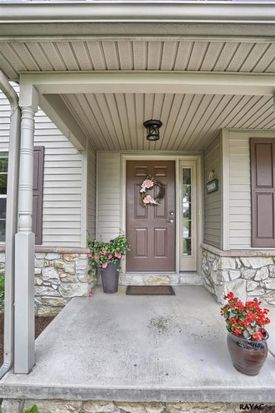 2521 Knobhill Rd, York, PA 17403